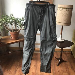 Columbia convertible hiking pants green. 40X34.